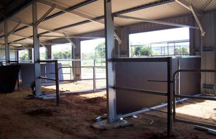 Croppedimage700450 Custom Barn Horse Stable Inside Fit Out